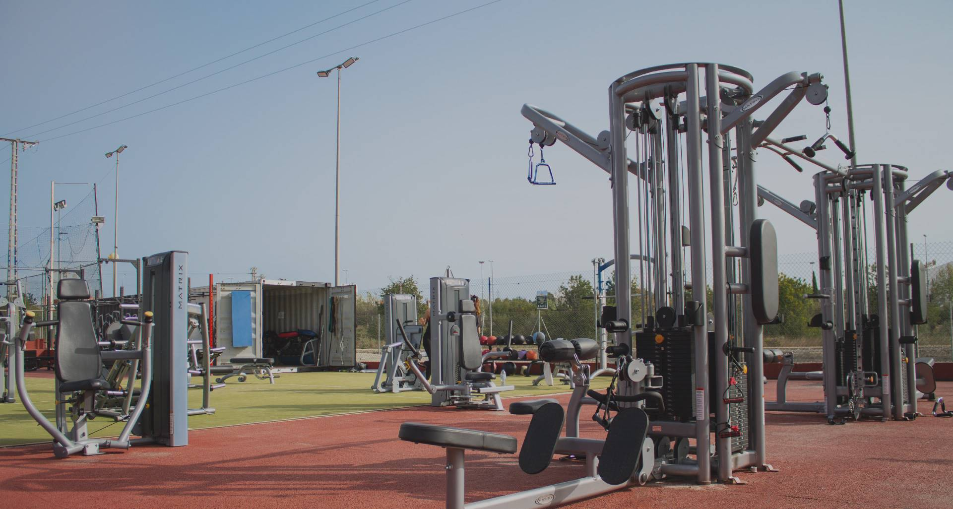 gimnasio-exterior-k7.jpg